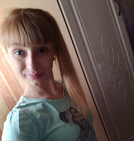 Девушки в Новосибирске: Vika, 24 - ищет парня из Новосибирска
