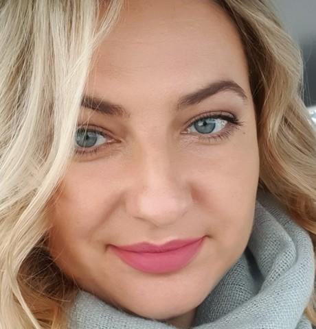 Девушки в Томске: Anastasia, 40 - ищет парня из Томска