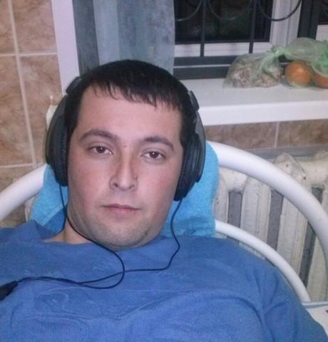 Парни в Гагарине: Мунис, 28 - ищет девушку из Гагарина