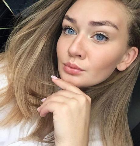 Девушки в Оренбурге: Анастасия, 22 - ищет парня из Оренбурга