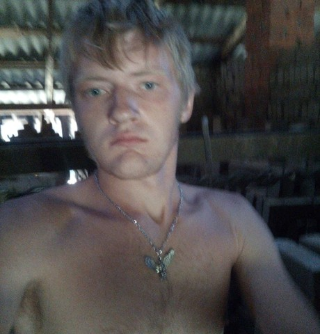 Парни в Абинске: Артем, 23 - ищет девушку из Абинска