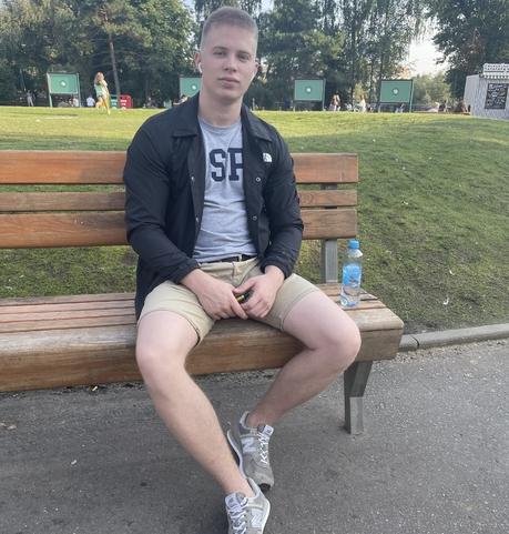 Парни в Москве (Московская обл.): Максим, 22 - ищет девушку из Москвы (Московская обл.)