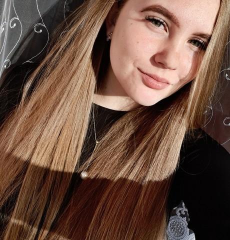 Девушки в Калининграде: Дарья, 19 - ищет парня из Калининграда