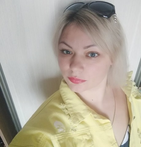 Девушки в Томске: Лара, 40 - ищет парня из Томска