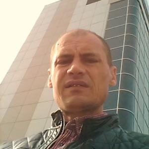 Олег, 43 года, Волхов
