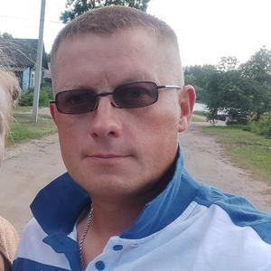 Виталий, 40 лет, Гдов