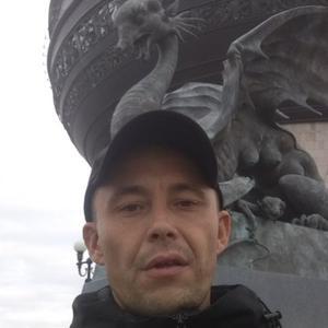 Виталик, 35 лет, Свободный
