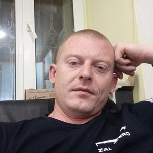 Иван, 32 года, Усинск