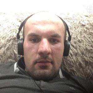 Руслан, 28 лет, Губкинский