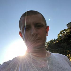 Евгений Коломиец, 33 года, Губкинский