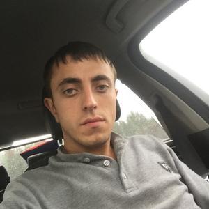 Артем , 25 лет, Березовский