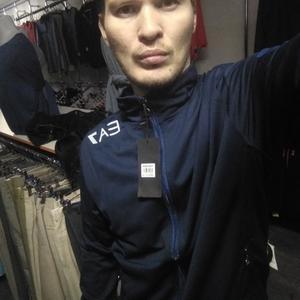 Илья, 33 года, Иркутск