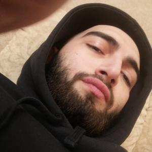 Максим, 23 года, Сургут