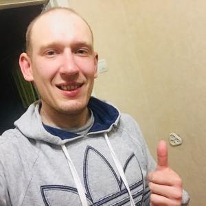 Андрей, 32 года, Новоуральск