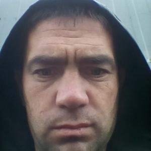 Виктор, 32 года, Курган