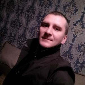 Виктор, 37 лет, Керчь