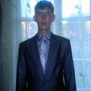Антон, 28 лет, Белово