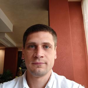 Андрей, 32 года, Крымск