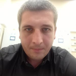 Олег, 31 год, Казань