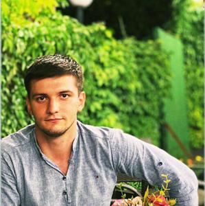 Али, 23 года, Тума